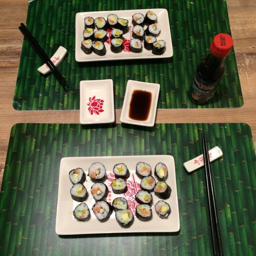 Sushi angerichtet